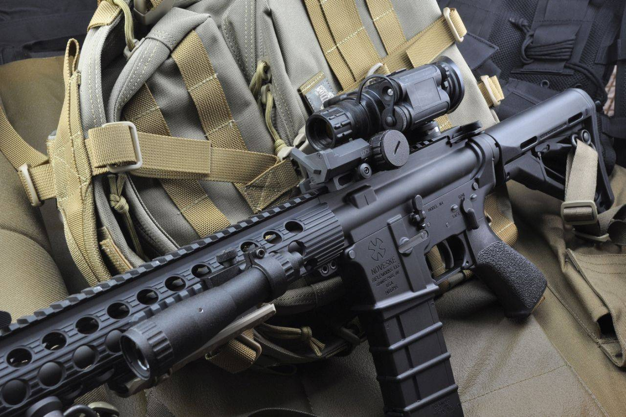 Noktowizor Spark CORE zamontowany na broni w połączeniu z Aim-Pro