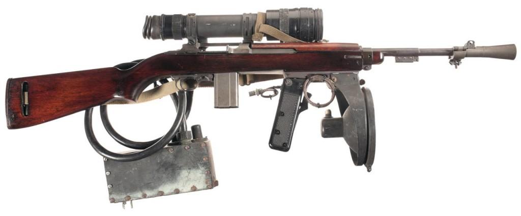 Amerykański karabin T3 z noktowizorem i oświetlaczem