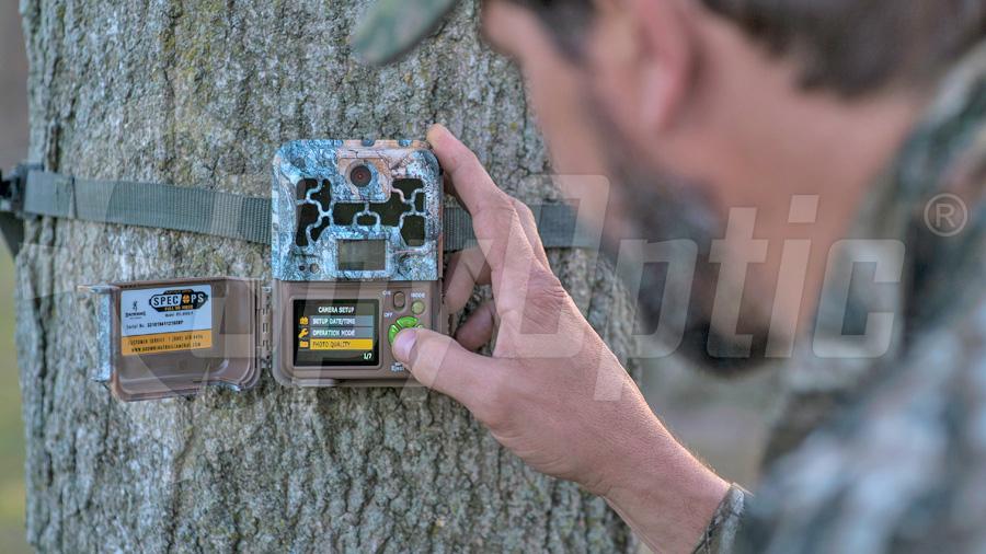 Kamera leśna Browning Spec Ops Advantage z kolorowym wyświetlaczem
